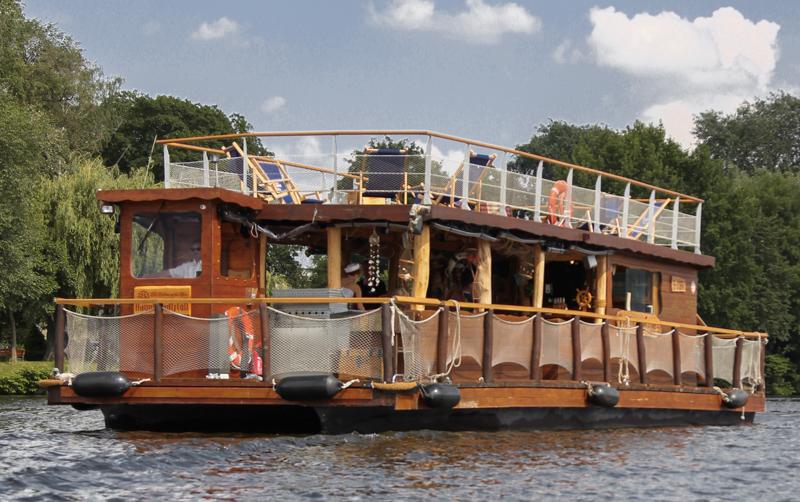 Flöße, Party- und Pontonboote